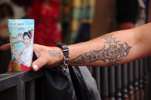 Feria de Abril - Tatouage - Tatouage avant-bras - Tatouage croix