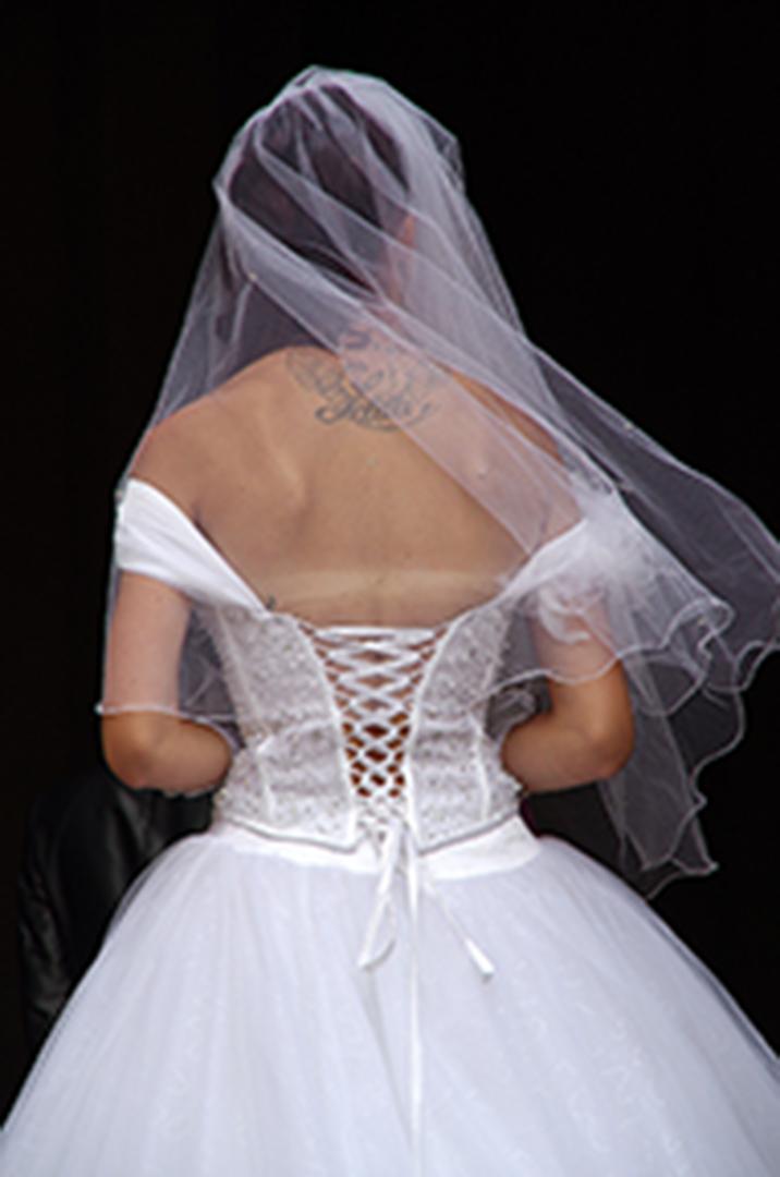 Mariée - Voile de mariée - Mariée de dos
