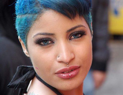 Portrait - cheveux bleus