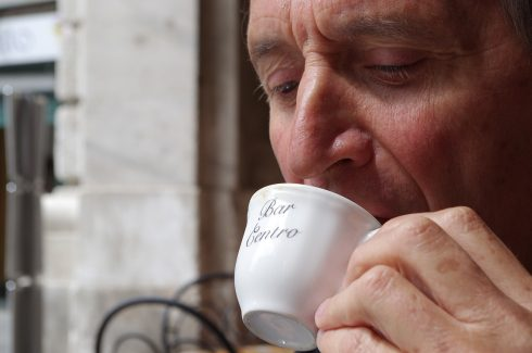 Portrait - Bar Centro - Tasse à café - Terrasse en Italie - Dolce vita